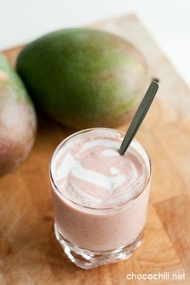 mango-vadelmasmoothie