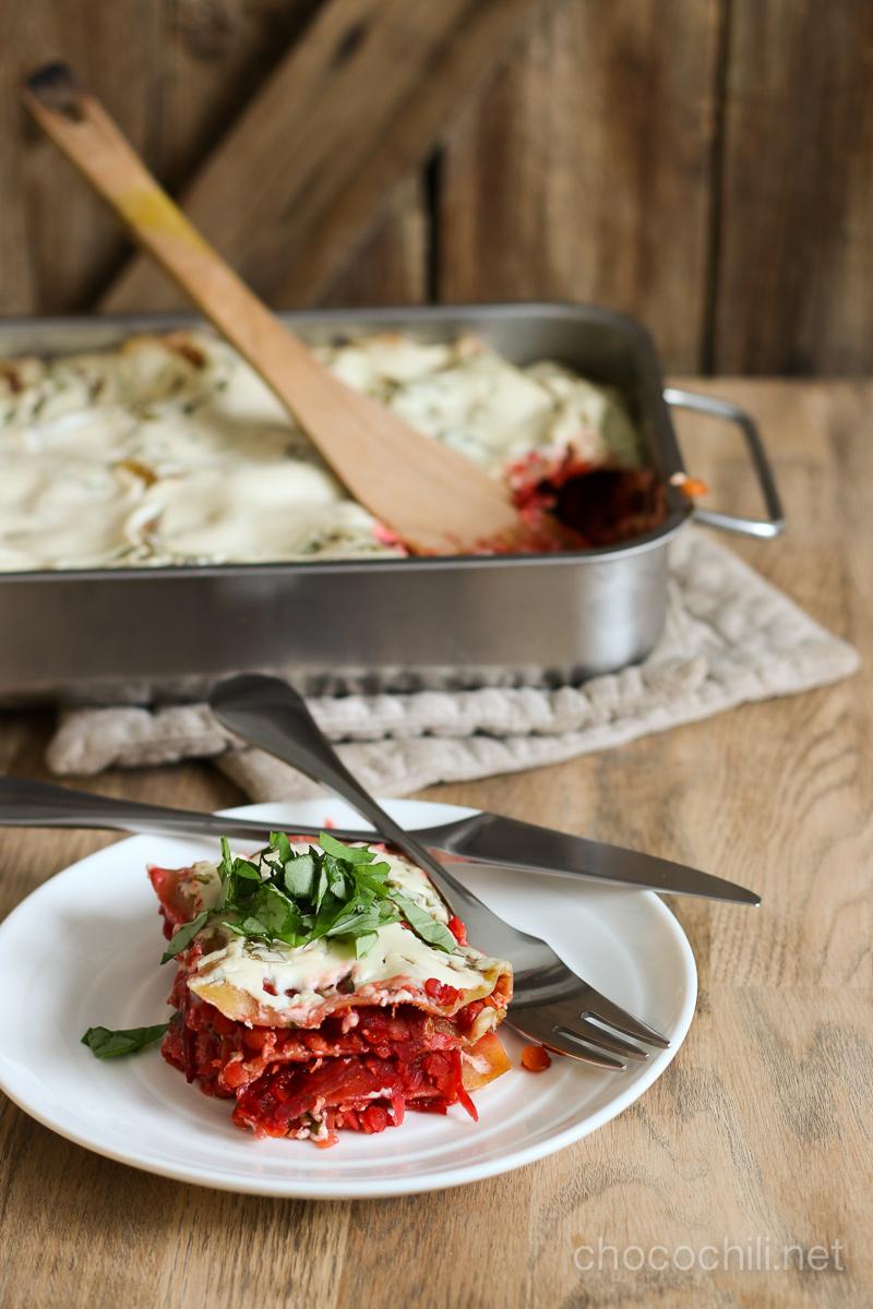 vegaanin-keittiossa-punajuurilasagne